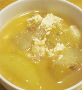 シブイ(冬瓜)と島豆腐のあんかけ風
